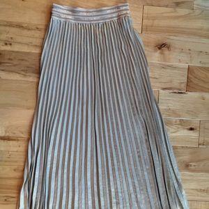 Small elastic band waist HD Paris gold skirt